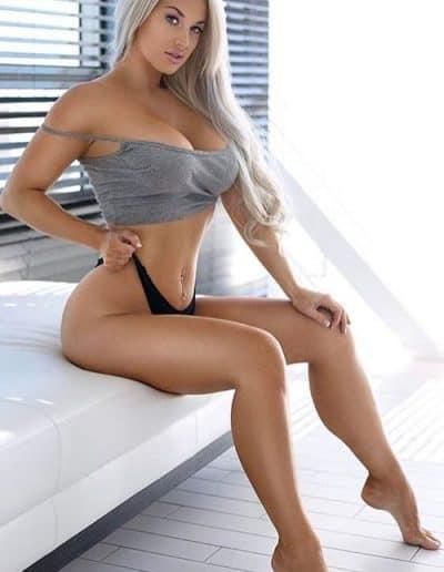 Laci Kay Somers (2)
