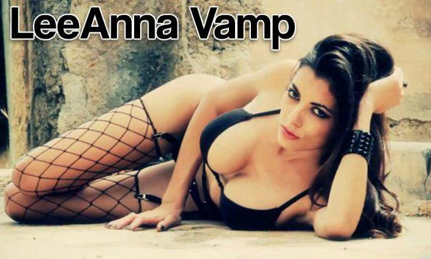 Queen Nerd LeeAnna Vamp Cosplay